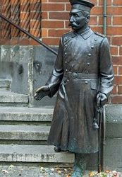 Mennonite Trickster and Dramatic Hero